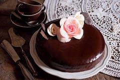 黑暗的巧克力蛋糕 库存图片