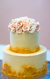 与花,橙黄花,床铺的欢乐婚宴喜饼,美丽,柔和 库存照片