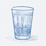 与苏打和冰块的玻璃 在被排行的纸背景的蓝色手拉的剪影 库存照片