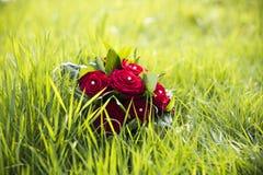 与英国兰开斯特家族族徽的婚礼花束 图库摄影