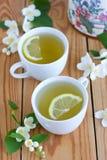 与茉莉花和柠檬的绿茶 图库摄影