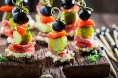 与菜和草本的健康开胃菜 免版税库存图片
