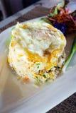 与菜和荷包蛋,泰国食物的炒米 免版税库存图片