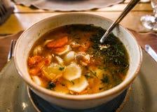 与菜的亚美尼亚传统汤 免版税库存图片