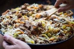 与菜的传统亚洲牛肉肉 免版税库存照片