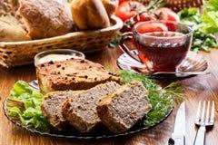 与菜的传统可口肉头脑 免版税库存照片