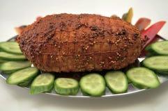 与菜的土耳其五香熏牛肉 库存照片