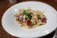 与菜的意大利细面条 库存照片