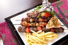 与菜的烤混合肉 免版税库存照片