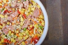 与菜的肉炖煮的食物 图库摄影