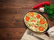 与菜,肉的煎蛋卷 美好的开胃晚餐  库存照片