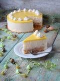 与菠萝奶油的蛋糕 库存照片