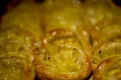 与菠萝装填的新近地被烘烤的新月形面包 库存图片