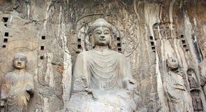 与菩萨的雕象的龙门石窟 库存图片