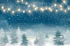 与落的圣诞节雪的圣诞节风景,圣诞快乐的具球果森林假日冬天风景和愉快的新的肯定 免版税图库摄影