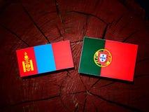 与葡萄牙旗子的蒙古旗子在被隔绝的树桩 向量例证