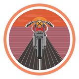 与葡萄酒摩托车的减速火箭的海报 也corel凹道例证向量 免版税库存照片