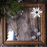 与葡萄酒框架的圣诞卡 免版税库存照片