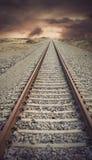 与葡萄酒神色的铁路轨道 免版税库存图片