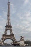 与蒙巴纳斯塔的埃佛尔铁塔 免版税库存照片