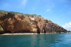与蓝天海岛海风景的酸值Talu 图库摄影