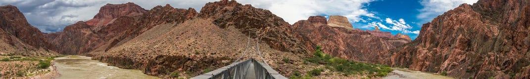 与蓝天的大峡谷风景 免版税图库摄影