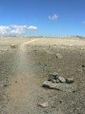 与蓝天的干燥moonscape 库存照片
