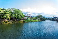 与蓝天的河chanthaburi泰国 库存图片