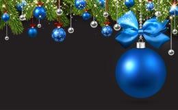 与蓝色圣诞节球的灰色背景 库存例证