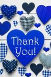 与蓝色心脏纹理的垂直的卡片,谢谢 库存照片