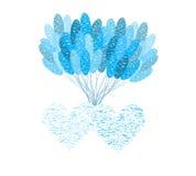 与蓝色气球的两心脏 免版税库存照片