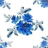 与蓝色玫瑰花束的水彩无缝的样式在白色背景的 库存图片
