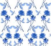 与蓝色玫瑰诗歌选的水彩无缝的样式在白色背景的 免版税库存图片