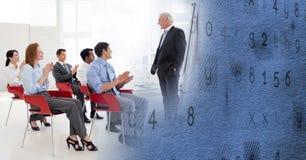 与蓝色纹理转折的业务会议 免版税库存照片