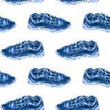 与蓝色运动鞋的无缝的样式 例证适用于织品和盖子 免版税库存照片