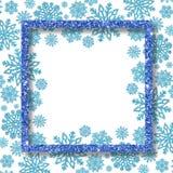与蓝色雪花的欢乐框架和文本的自由空间 与被镀金的衣服饰物之小金属片的贺卡 免版税库存图片