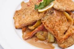 与蔬菜的三文鱼 免版税库存照片
