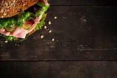 与蔬菜的三明治 库存照片