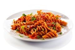 与蔬菜的意大利面食 库存图片