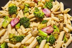 与蔬菜的意大利面食 免版税图库摄影