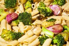 与蔬菜的意大利面食 图库摄影