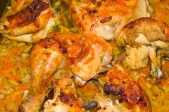 与蔬菜的烤鸡 免版税图库摄影
