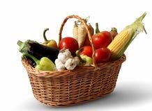 与蔬菜的篮子 库存照片