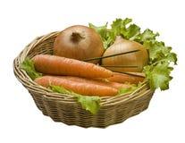与蔬菜的篮子 免版税库存照片