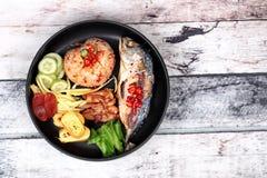与虾酱电话Kao Klok Kapi的油煎的茉莉花米 免版税库存图片