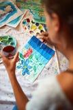 与蛋彩画的艺术品及时悠闲时间 库存照片