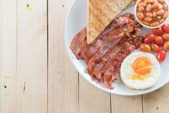 与蛋早餐的烟肉 免版税库存图片