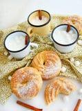 与蛋白质奶油的小饼 免版税图库摄影