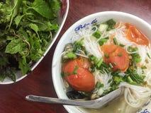与蛤蜊的Noolde (称Bun Oc)在太原,越南 免版税库存照片