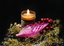 与蜡烛的圣诞树装饰 免版税库存照片